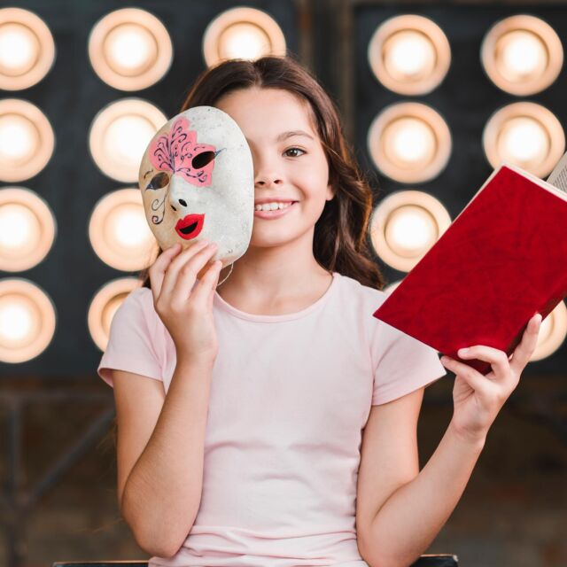 NEW BLOG POST! Theatrical masks, improvisation, crafts and more! What more would you want for a day of family fun? Check out our blog: https://www.thefunmaster.com/blog/ . . ———  Masques de théâtre, improvisation, crafts et plus encore ! Quoi de mieux pour une journée de plaisir en famille ?  #birthdayParty #kidsParty #Toronto #KidsToronto #Parent #StaySafe #CreateMemories  #FrenchInToronto #BilingualKids #FrenchParty #Ontario #GTA #localBusiness